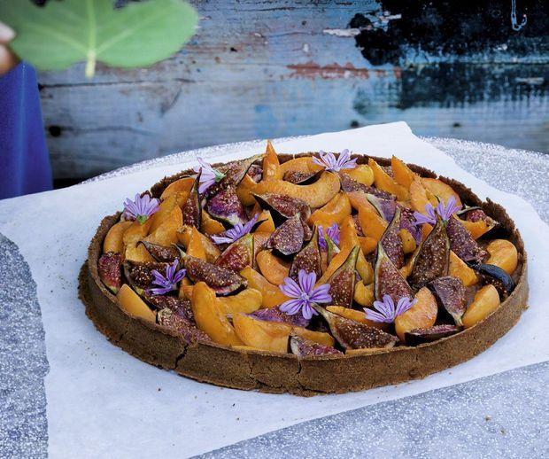 Tarte sans gluten aux figues, aux abricots et au tohu de pois chiches.
