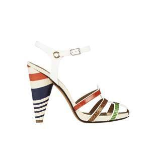 Sandales en chevreau, Sonia Rykiel, 630 euros.