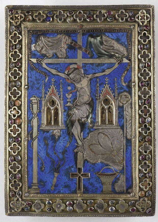 Pièce historique, ce « Baiser de paix » est un tableau reliquaire réalisé pour Saint-Louis. Acquis 450 000 euros par le musée de Cluny, à Paris, où il peut être admiré.