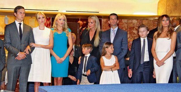 New York, 13 juin 2015. Toute la famille assiste dans le hall de la tour Trump à l'annonce par Donald de sa participation à la course à l'investiture pour la présidentielle de 2016.