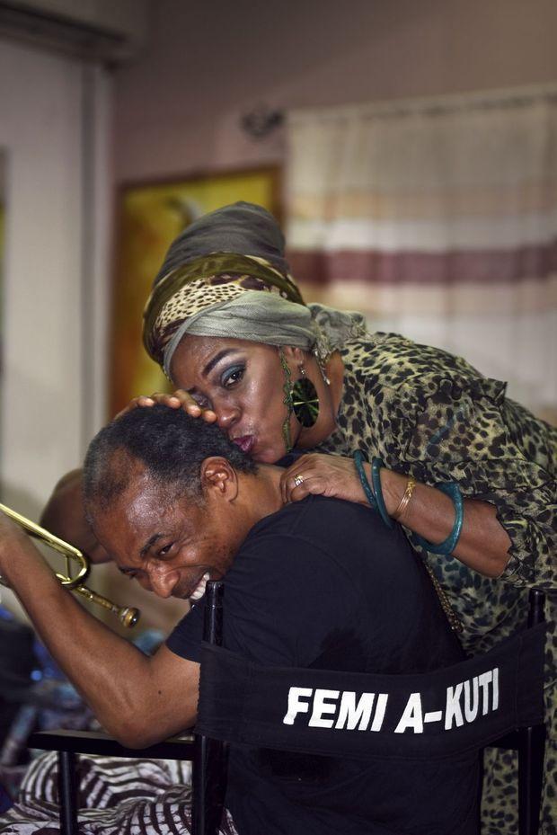 Femi Kuti et sa sœur, au Shrine, club de Lagos fondé par Fela.