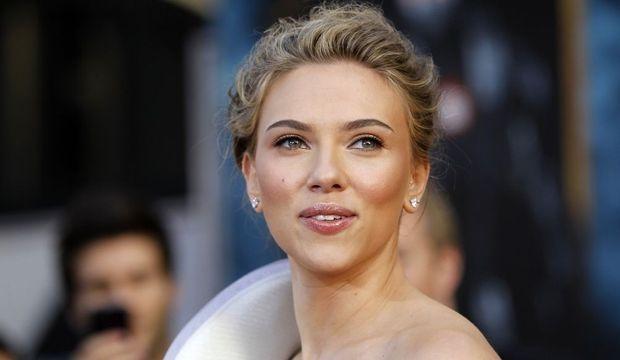 Scarlett-Johansson-