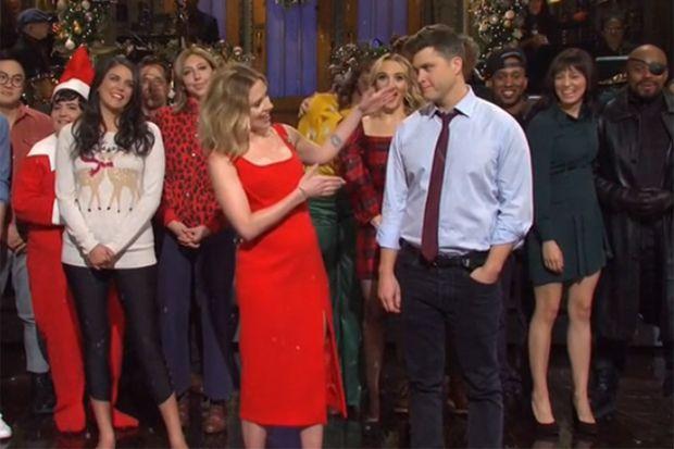 """Scarlett Johansson et Colin Jost dans """"Saturday Night Live"""" le 14 décembre 2019"""