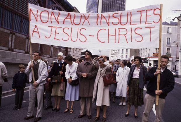 Manifestation contre le film de Martin Scorsese « La Dernière tentation du Christ » le 24 septembre 1988 à Nantes.