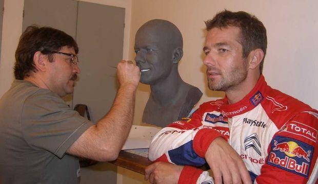 Sébastien Loeb pose pour le musée Grévin-