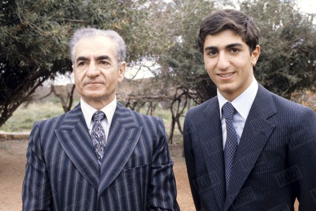 """""""Le Shah et son héritier Ali Reza"""" - Paris Match n°1550, 9 février 1979"""
