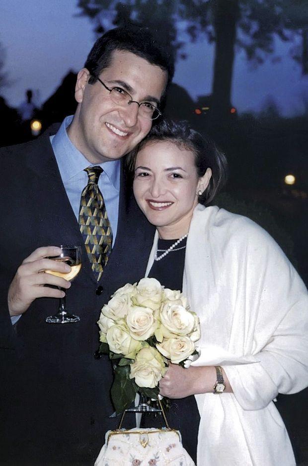 Sheryl et Dave en 2003, au mariage d'un ami. Ils sont alors ensemble depuis un an, mais se sont rencontrés en 1996.