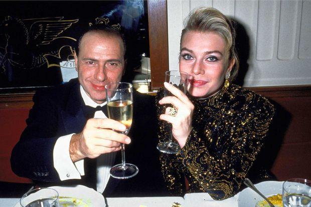 Silvio Berlusconi et Veronica Lario au temps du bonheur, en 1989.