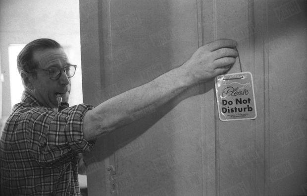 Georges Simenon au travail en 1960