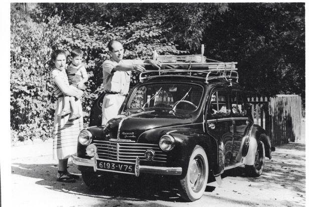 Août 1952. Milou, la sœur de Simone, son mari et Luc, leur fils de 1 an, rendent visite aux Veil à Stuttgart. Au retour, ils ont un accident. Milou meurt sur le coup. Luc,un jour plus tard, dans les bras de Simone.