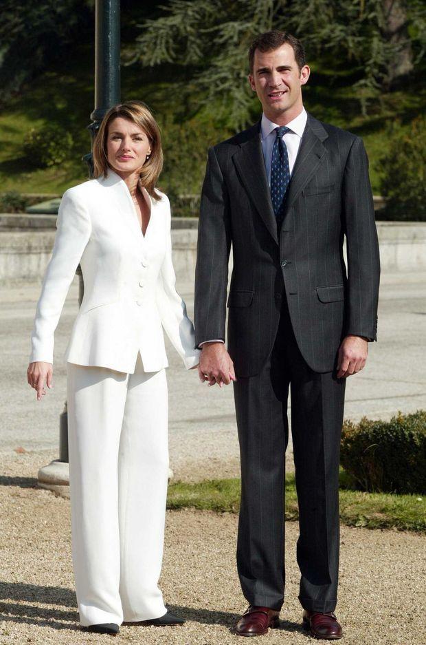 Letizia Ortiz et le prince Felipe d'Espagne le jour de leurs fiançailles le 6 novembre 2003
