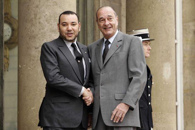 Le roi Mohammed VI du Maroc avec Jacques Chirac à l'Elysée à Paris, le 13 décembre 2005