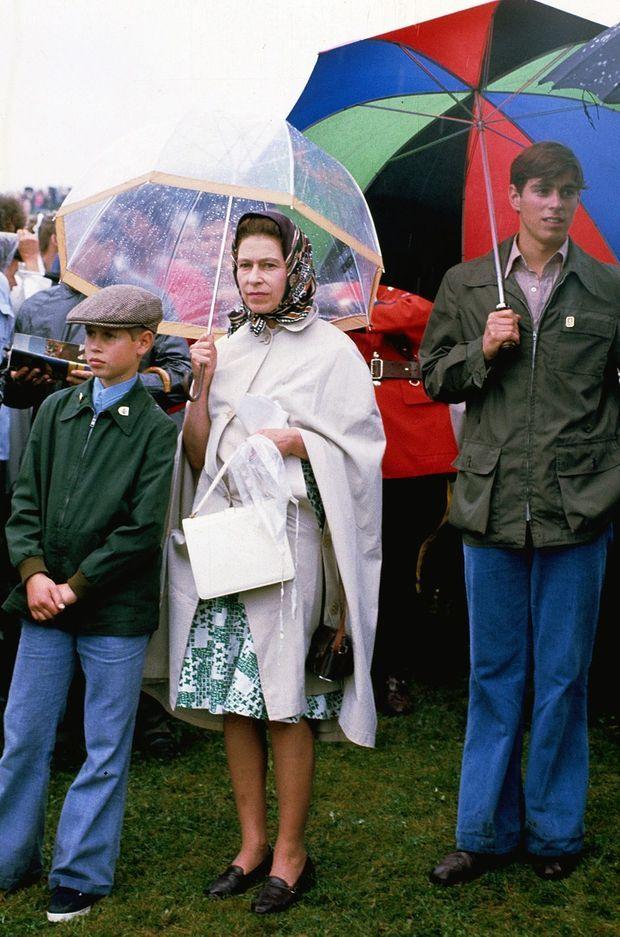 La reine Elizabeth II et ses fils les princes Edward et Andrew à Bromont, le 22 juillet 1976