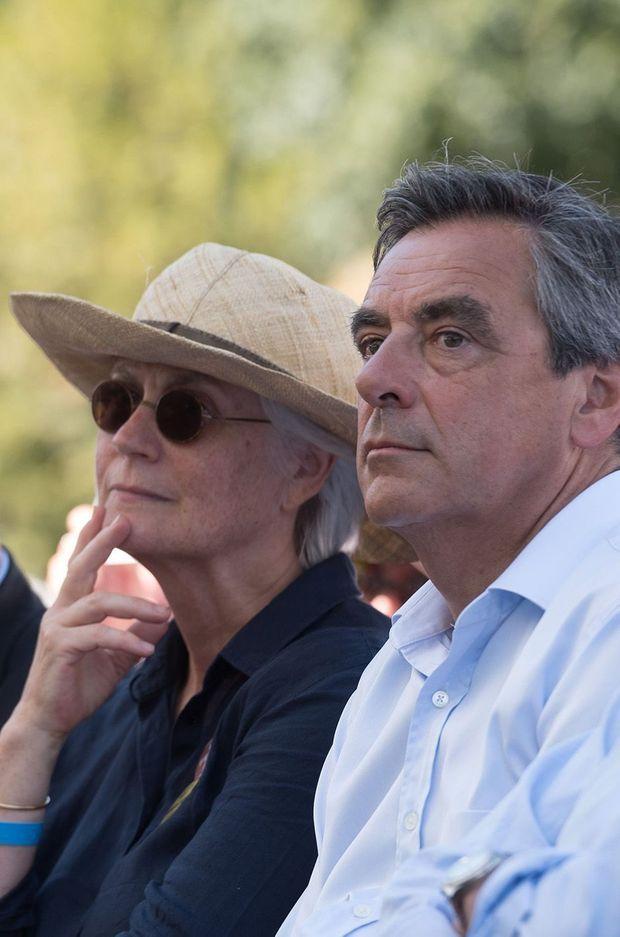 François Fillon et son épouse Penelope en meeting à Sable-sur-Sarthe, août 2016.