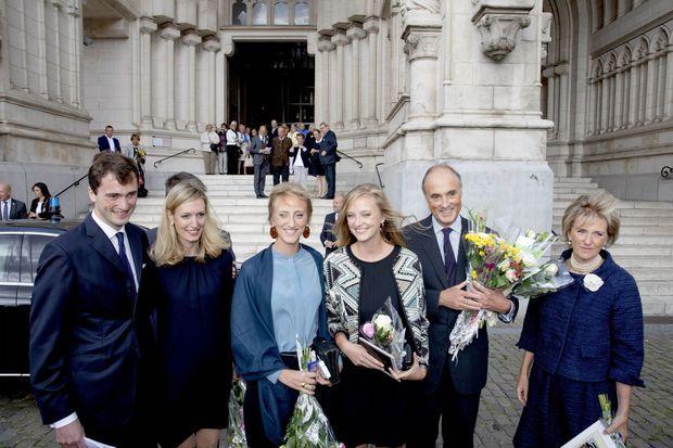 Le prince Amedeo de Belgique avec sa femme, ses parents et deux de ses sœurs à Laeken pour la messe anniversaire des 25 ans de la mort de l'ancien roi des Belges Baudouin, le 8 septembre 2018