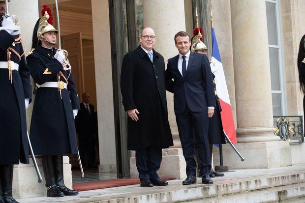 Le prince Albert II de Monaco et Emmanuel Macron à l'Elysée à Paris, le 29 novembre 2019