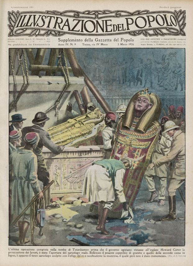 Howard Carter supervise le retrait des trésors de la tombe de Toutankhamon en une d'un journal italien en 1924