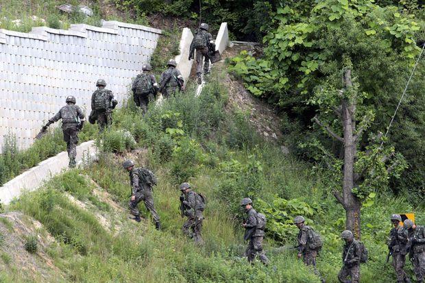 L'armée s'est mobilisée en masse pour retrouver le tueur de soldats.