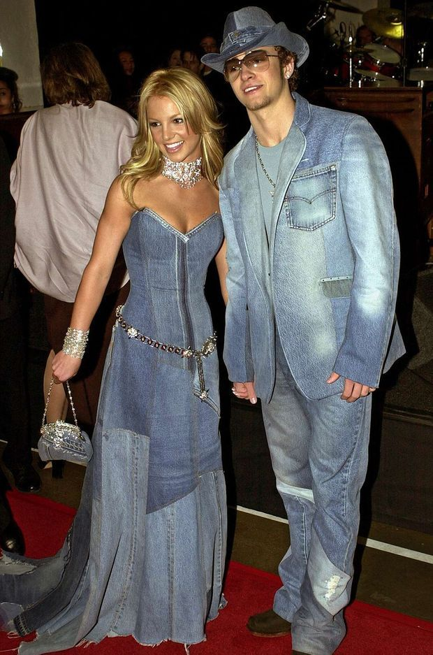 Britney Spears et Justin Timberlake aux American Music Awards 2001