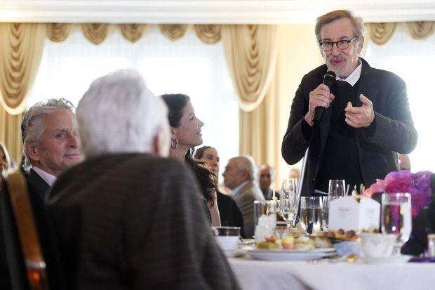 Steven Spielberg a rendu hommage à Kirk Douglas.