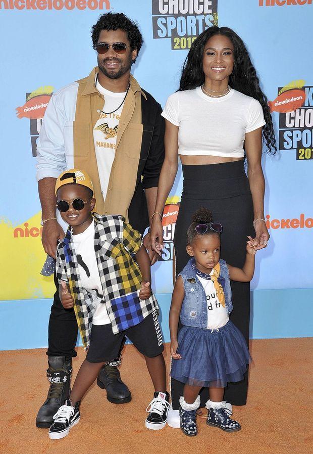 Russell Wilson et Ciara avec leurs enfants Future Zahir et Sienna Princess en juillet 2019 aux Kids' Choice Sports Awards.
