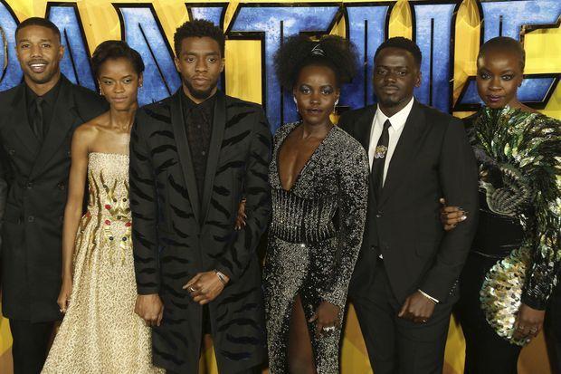 """Michael B. Jordan, Letitia Wright, Chadwick Boseman, Lupita Nyong'o, Daniel Kaluuya et Danai Gurira à la première de """"Black Panther"""" à Londres en février 2018"""