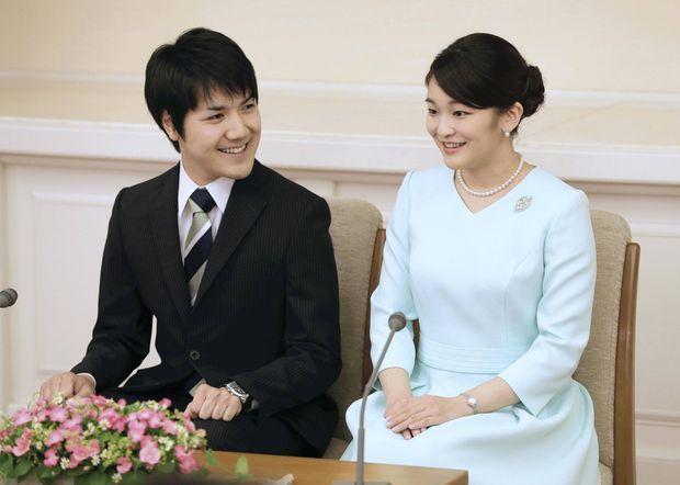 La princesse Mako du Japon et Kei Komuro lors de la présentation de celui-ci à la presse, le 3 septembre 2017