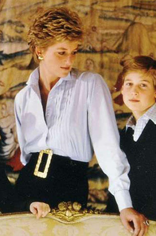 Détail de la tenue de la princesse Diana sur sa carte de voeux 1993