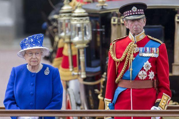 La reine et son cousin le duc de Kent à la parade en 2013