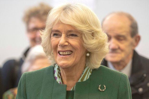 La duchesse de Cornouailles Camilla portant sa broche Minoru le 23 janvier 2019