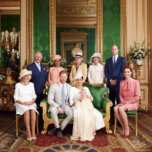 Photo officielle du baptême d'Archie, le fils du prince Harry et de Meghan Markle, le 6 juillet 2019