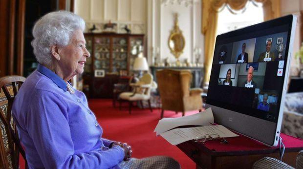 La reine Elizabeth II en visioconférence début mai avec la Royal Life Saving Society