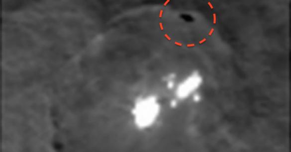 Cerlé de rouge, le nouveau mystère de Cérès: un point noir...
