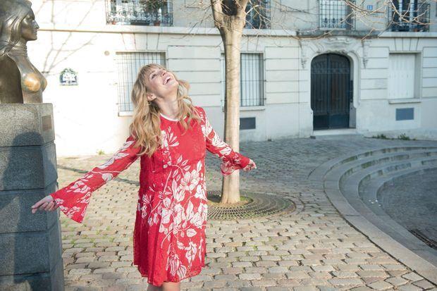 Son hommage à celle qui lui a offert son plus grand rôle, place Dalida, à Paris.