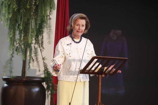 La reine Sonja de Norvège inaugure sa galerie d'art à Oslo, le 4 juillet 2017