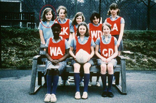 """""""Durant sa scolarité, Sophie fera partie de nombreuses équipes sportives. Elle a 11 ans."""" - Paris Match n°2591, 21 janvier 1999"""