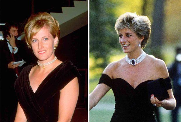 """""""Elégante sobriété pour ces robes du soir bras nus rehaussées d'un collier de perles pour Diana, comme pour Sophie."""" - Paris Match n°2591, 21 janvier 1999. Sophie en août 1995, Diana en juin 1994."""