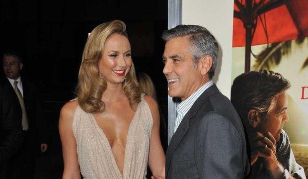 Stacy-Keibler-et-George-Clooney_galleryphoto_paysage_std-