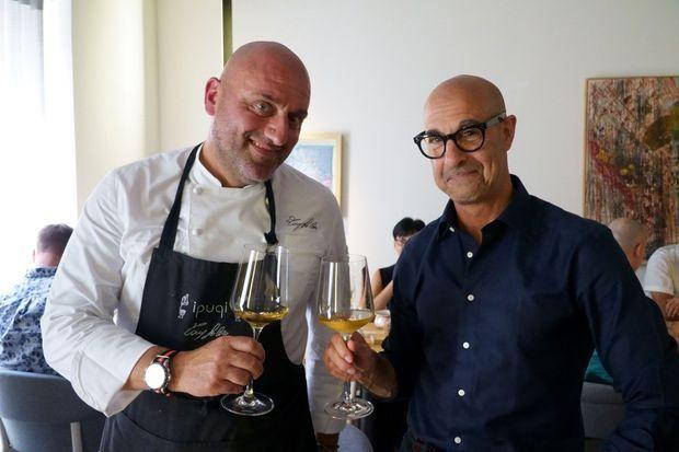 Stanley Tucci et le chef Tony Lo Coco, en Sicile.