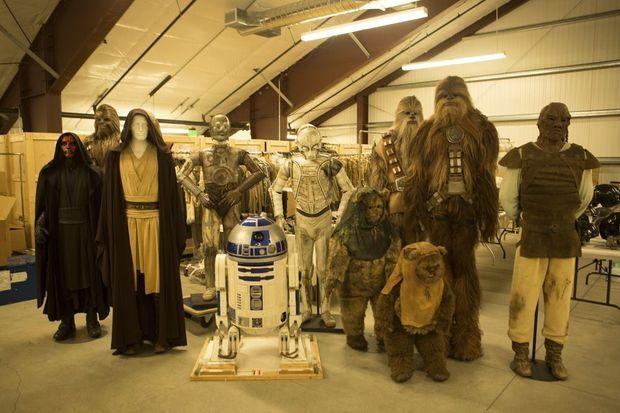 De Dark Maul à Chewbacca, en passant par les Ewoks ou R2D2, tous les costumes ont été mis à l'abri.