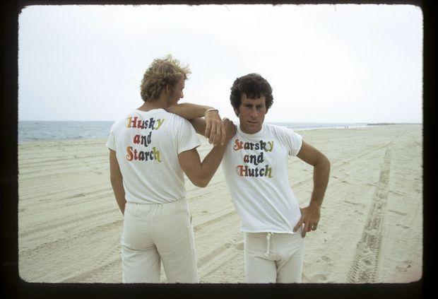 « Pendant huit ans, Paul Michael Glaser, ici avec David Soul en juin 1975, a été le héros de la série télévisée Starsky et Hutch » - Paris Match n°2102, 7 septembre 1989