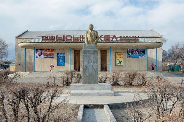 Il reste quelques statues de Lénine, une figure que regrettent pas mal d'habitants