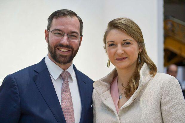 """La princesse Stéphanie et le prince Guillaume de Luxembourg à Paris, lors de l'inauguration du salon """"Révélations"""" le 3 mai 2017"""