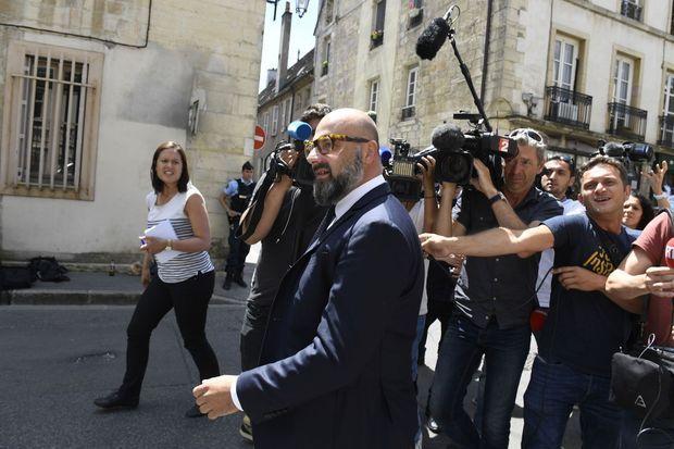 Stéphane Giuranna, l'avocat de Marcel Jacob, devant le tribunal de Dijon, vendredi.