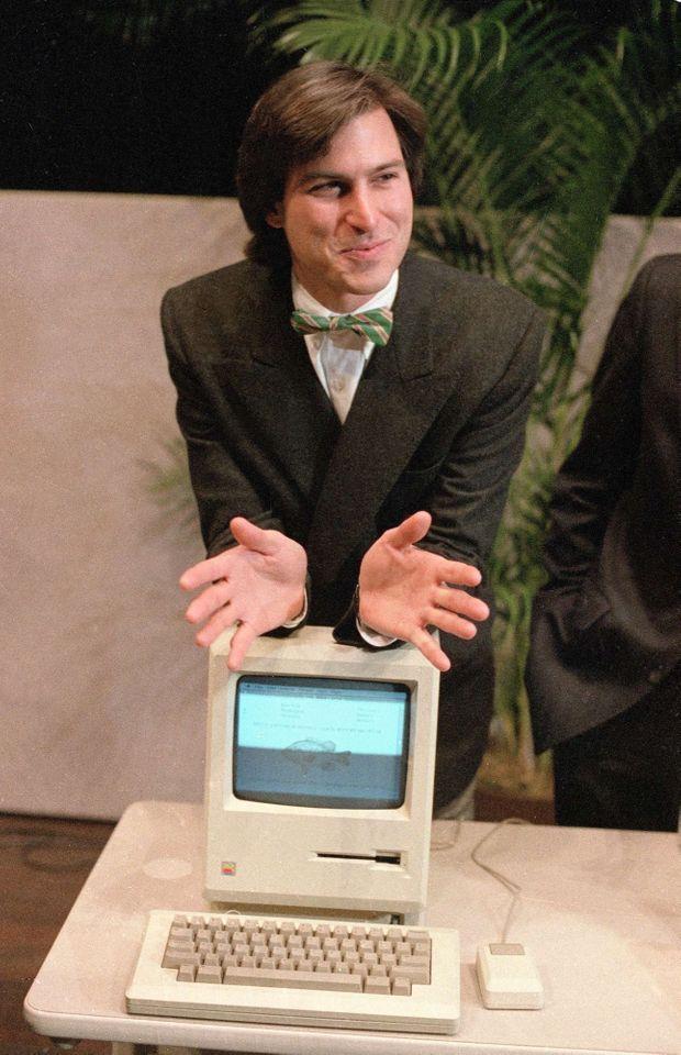 Steve Jobs présente son ordinateur Macintosh, en janvier 1984