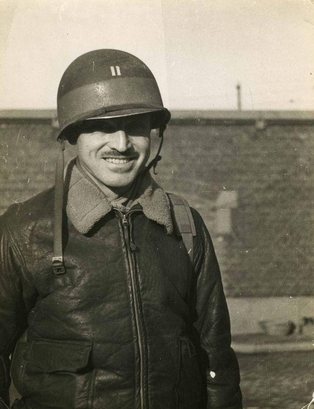 Stout-helmet-