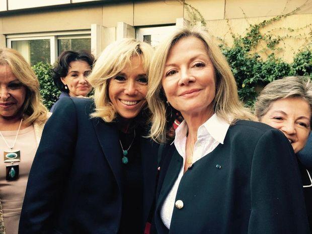 """""""Moi, c'est le modèle de la femme française qui m'a marquée : indépendante, professionnelle, intègre, élégante, impeccable me reproche d'être devenue un peu trop """"française"""" ! """""""