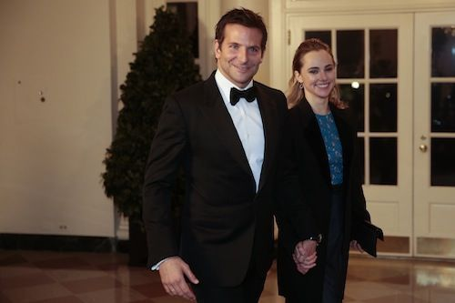 Suki Waterhouse et Brdley Cooper reçus à la Maison Blanche, le 11 février 2014