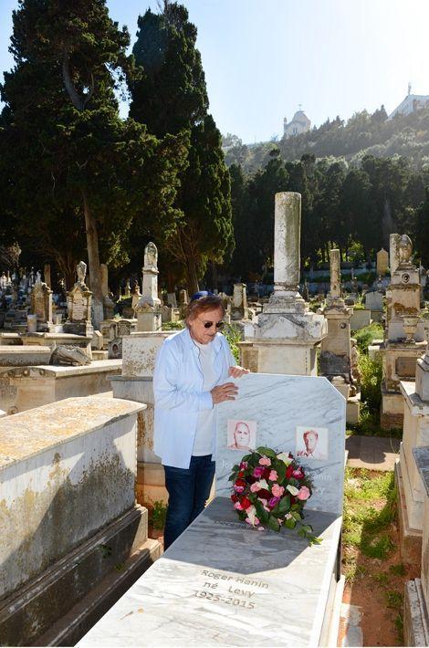 Sur la tombe de Roger Hanin