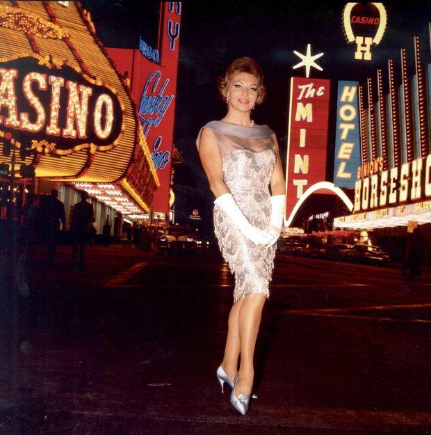 Sur le Strip, en 1963. Line a 35 ans et commence sa carrière américaine.